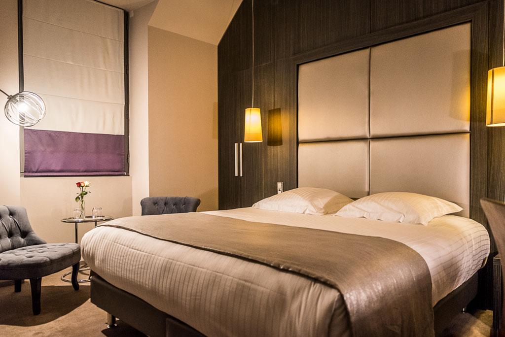 Chambre sup rieure hotel 4 brive ch teau de lacan hotel for Chambre de hotel